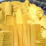 鳥取砂丘にある砂の美術館は期間によってテーマが変わる砂像を使った驚きの美術館!